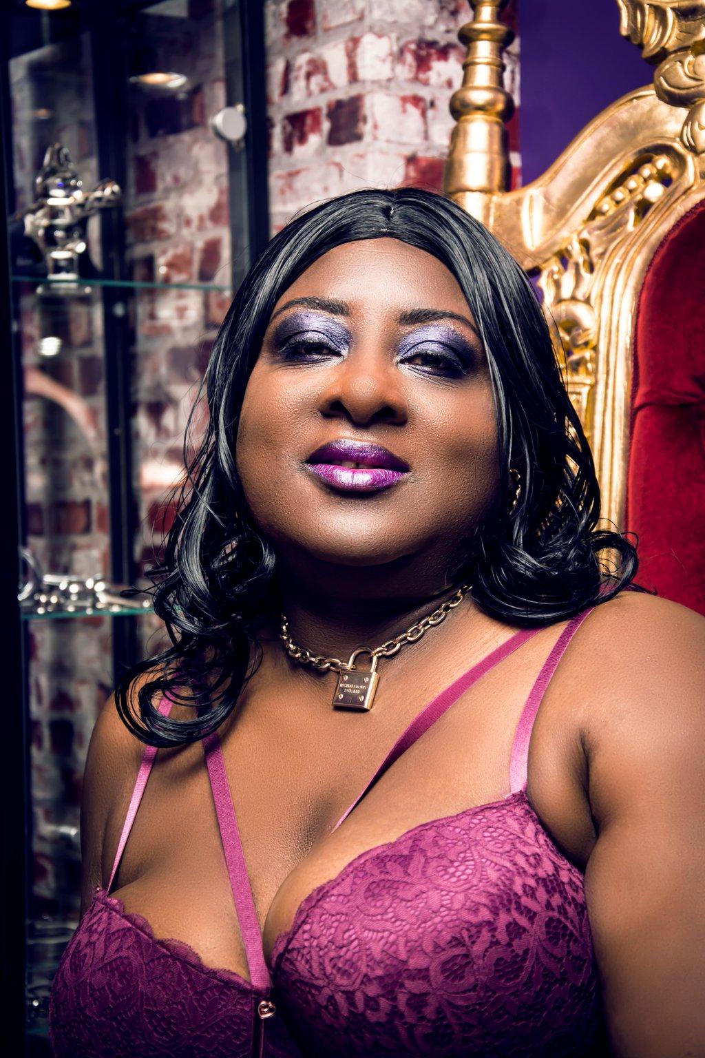 Black Dominatrix Mistress in London